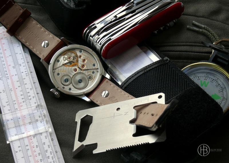Existe-t'il une montre avec règle à calcul fine et simple? Perso011