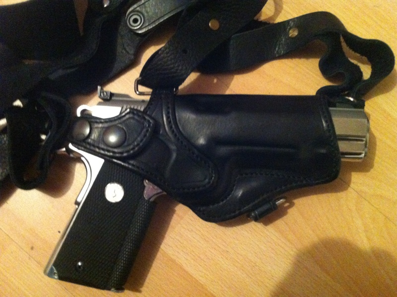"""Des HOLSTERS """"WILD BUNCH"""" by SLYE Img_1021"""