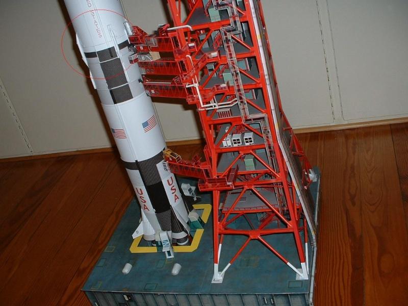 Model de SATURNE V Dscf0110