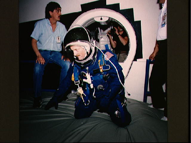 Launch and Entry Suits(LESs) Sts-0210