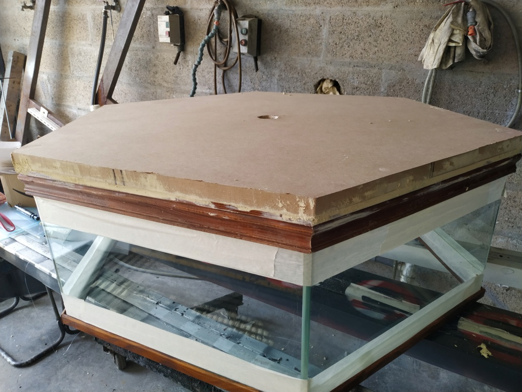 Restauration Table basse 1010