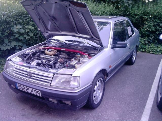 judi et sa 205 turbo P0206010