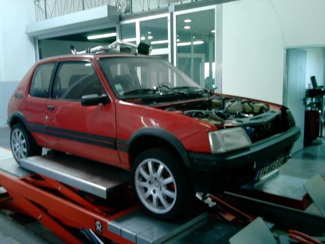 judi et sa 205 turbo P3005011