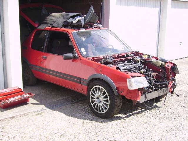 judi et sa 205 turbo Pict0512
