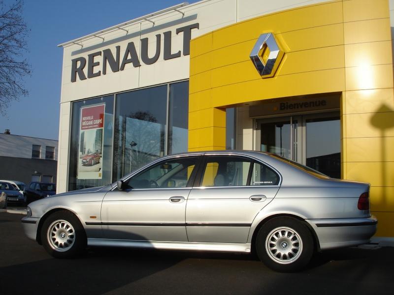 [Défi 1] Prendre sa BMW en photo devant un garage Renault - Page 2 Dsc01611