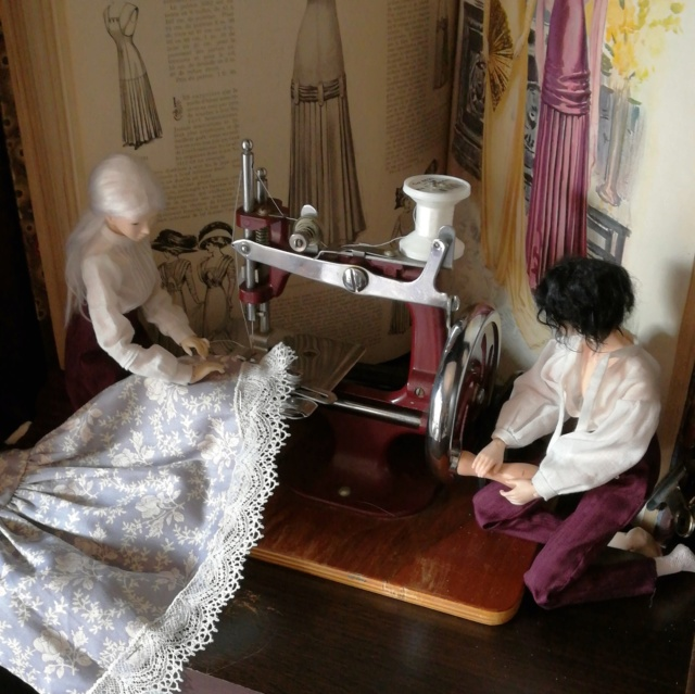 [Unoa Light Aki & Hal] Mini vetements, mini machine à coudre Img_2010