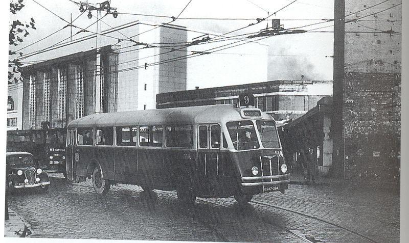 Photos historiques du réseau havrais (bus, tram, funi...) - Page 3 Resize10