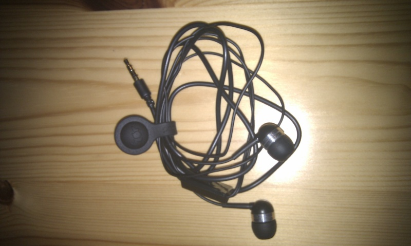 [PROPORTA]Range câbles magnétique testé sur HTC-DEV.com  Imag0020