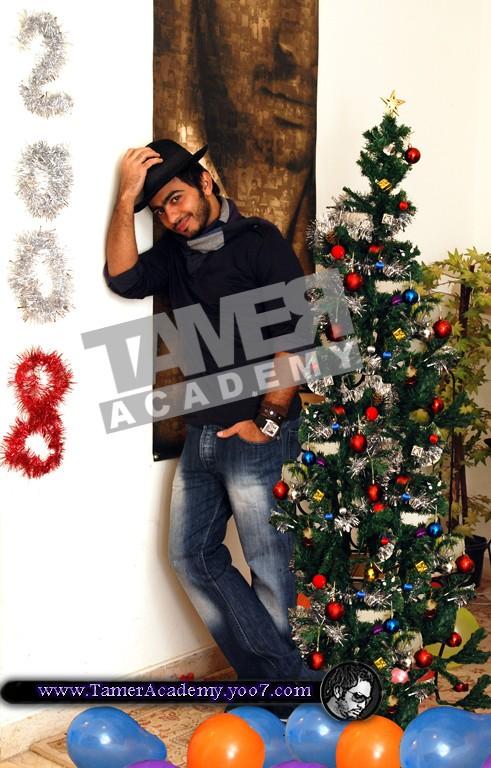 صور لتامر حسنى ايام الكريسمس 410