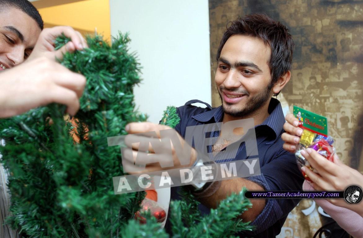 صور لتامر حسنى ايام الكريسمس 810