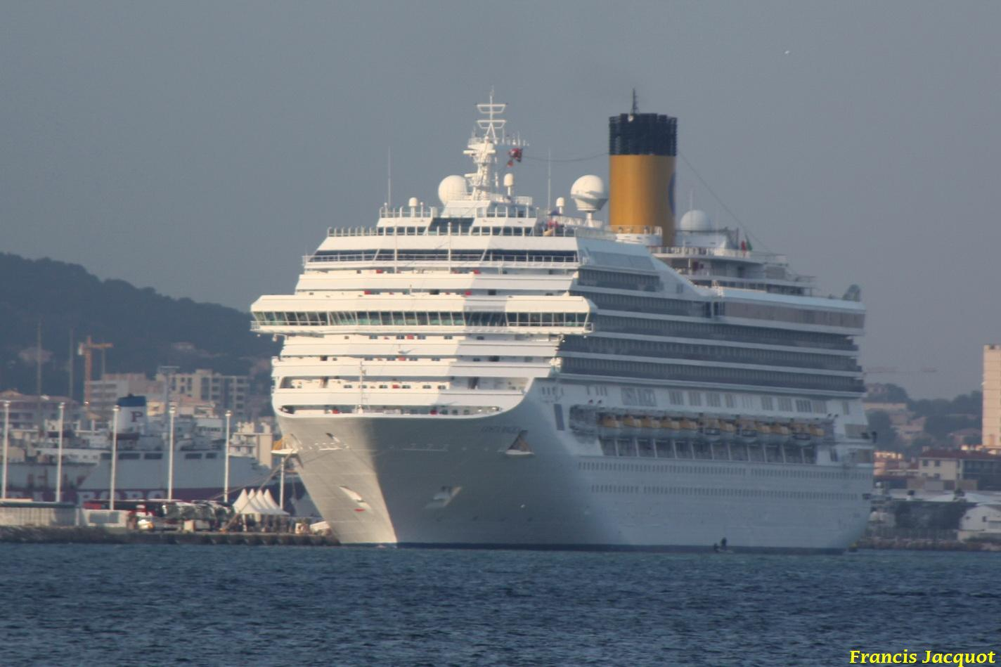 Le Costa Magica en escale à La Seyne sur Mer 0114
