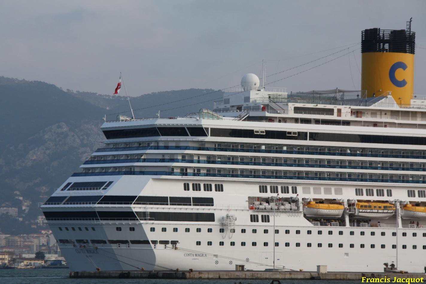 Le Costa Magica en escale à La Seyne sur Mer 0314