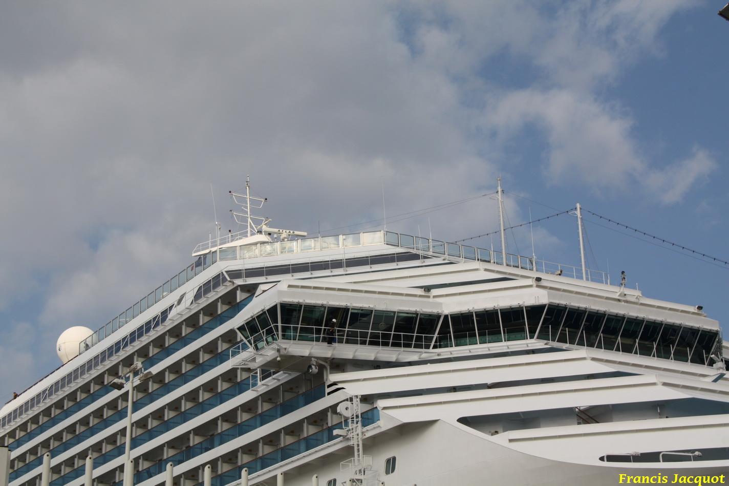 Le Costa Magica en escale à La Seyne sur Mer 0711