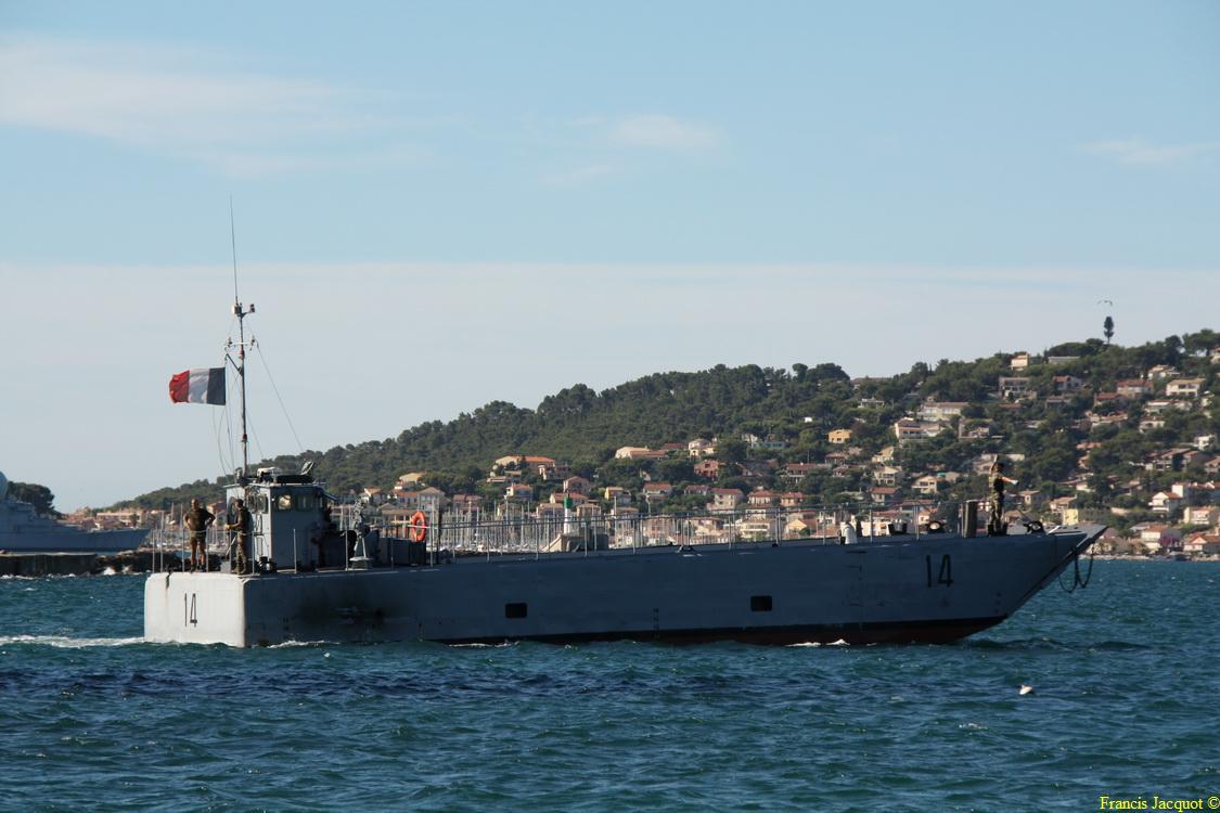 [Les ports militaires de métropole] Port de Toulon - TOME 1 - Page 2 221