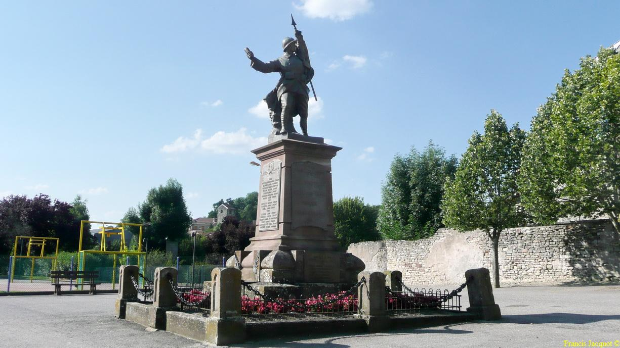 [Histoires et Histoire] Monuments aux morts originaux Français Tome 1 - Page 5 P1190110