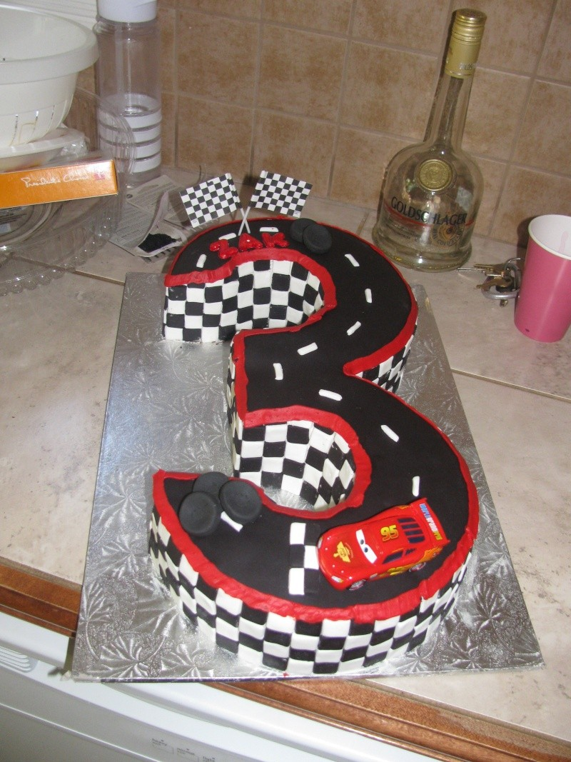 Gâteaux de fête et d'occasions spéciales - Page 2 Img_3311