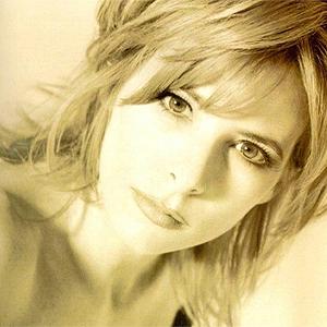 Hit or Miss ? version chanteuse/chanteur - Page 4 Mylene10