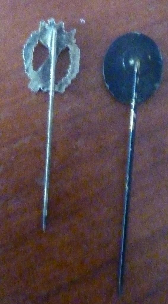 2 réductions de badges allemands P1060212