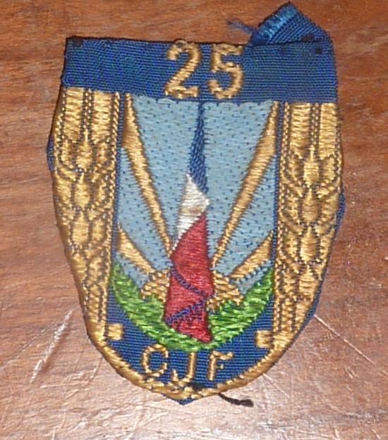 insigne de Béret CJF 25 porté P1060218