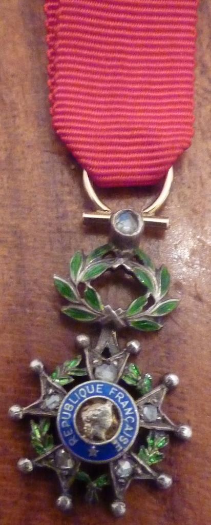 réduction de légion d'honneur en or et diamants  P1060223