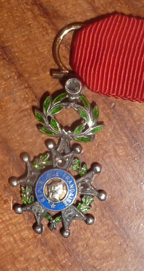 réduction de légion d'honneur en or et diamants  P1060224
