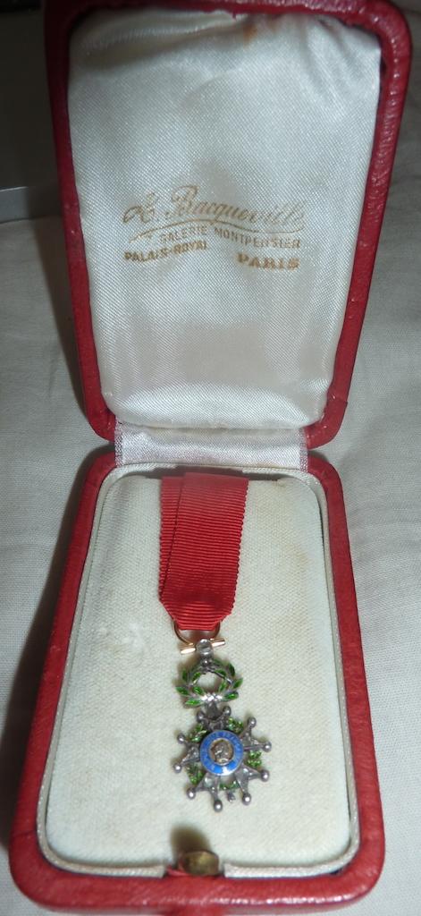 réduction de légion d'honneur en or et diamants  P1060225
