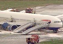 Boeing 777 da British airways faz pouso de emergência 17avia10