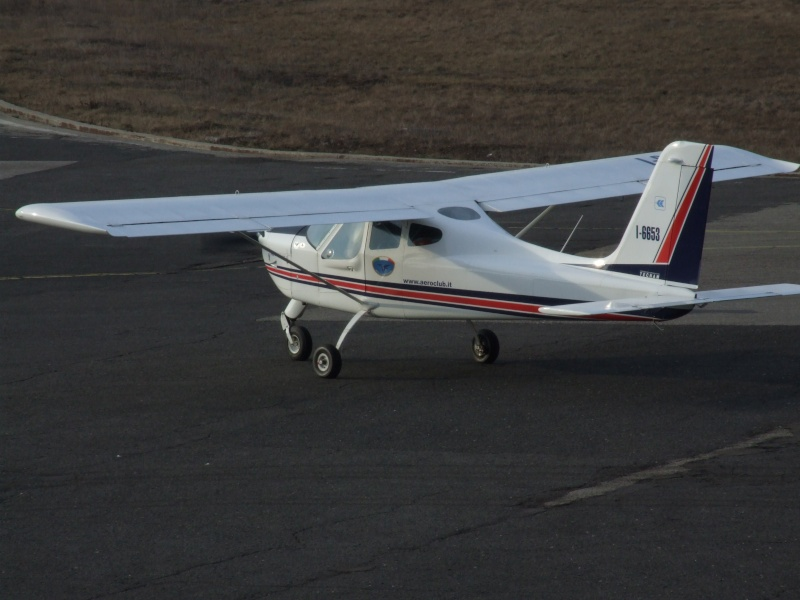 Avioane de agrement Dscf2010