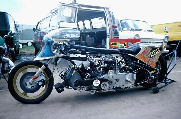 Z900 '76 BOC RaceR ... FAT AttacK ! - Page 2 Bigspe11
