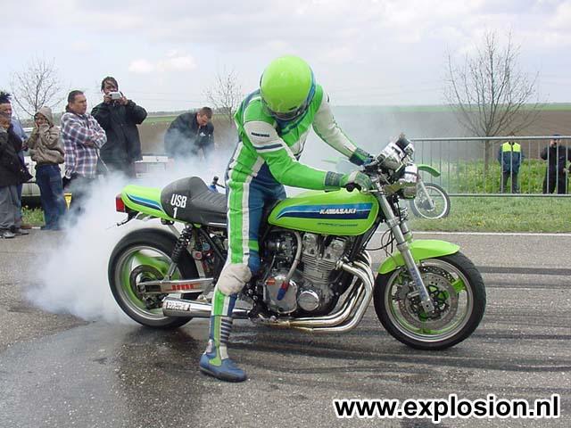 Z900 '76 BOC RaceR ... FAT AttacK ! Ls033810
