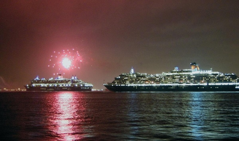Three Cunard Ships in NYC on Sunday, January 13 2008 Cunard12