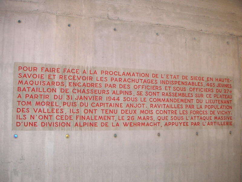 Monument des GLIERES Pict0115