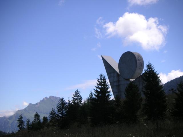 Monument des GLIERES Pict0116