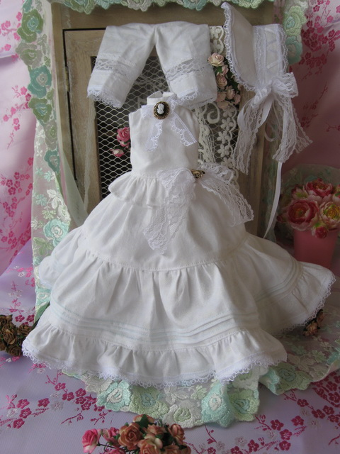 Kameo :petites robes tiny, pukifees ... le 17/05/15 p.22 - Page 4 Tenue_17