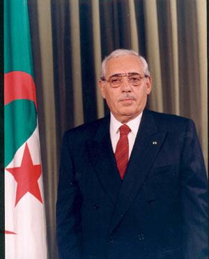 رؤساء صنعوا مجد الجزائر Photoa10