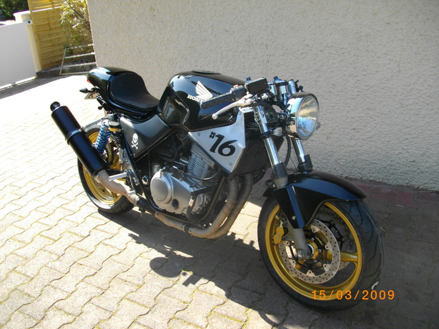 CB 500 racer - Page 2 Imgp3010
