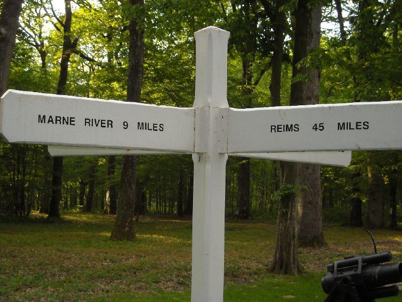 A la découverte des mémoriaux et cimetières militaires - Page 3 Bois_b10