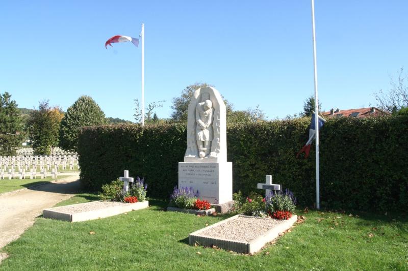 A la découverte des mémoriaux et cimetières militaires - Page 3 Nn-fp310
