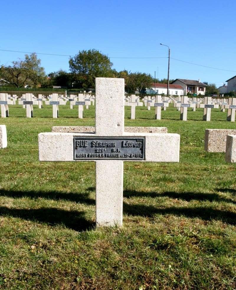 A la découverte des mémoriaux et cimetières militaires - Page 3 Nnfpbu10