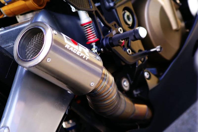 Kawasaki ZX 10 R 2004 ( 05 ) 1210