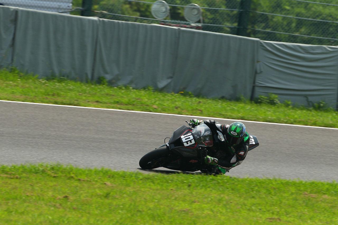 Kawasaki ZX10R 2011  13310111