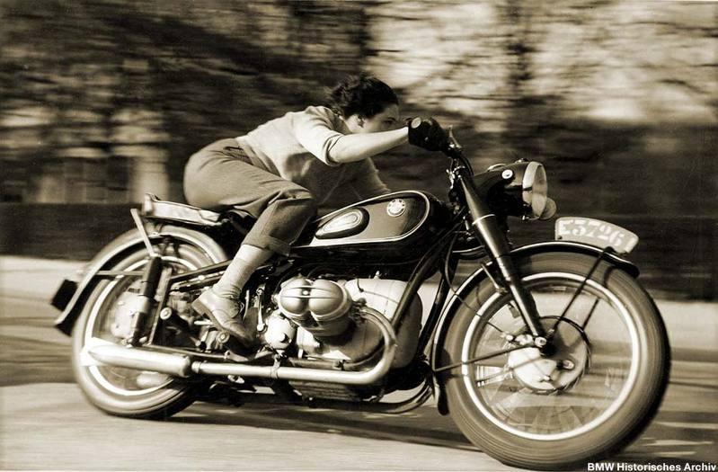 Racer, Oldies, naked ... Femme_10