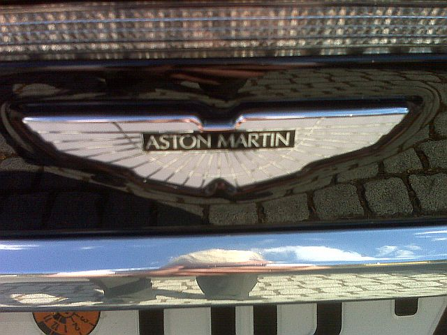 Aston Martin DBS - Carbon Edition 0a10