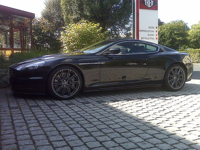 Aston Martin DBS - Carbon Edition 353