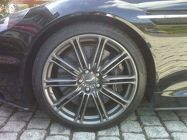 Aston Martin DBS - Carbon Edition 532