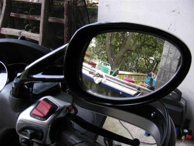 Un peu de tuning sur nos scooters 3 roues.... Ratro-11