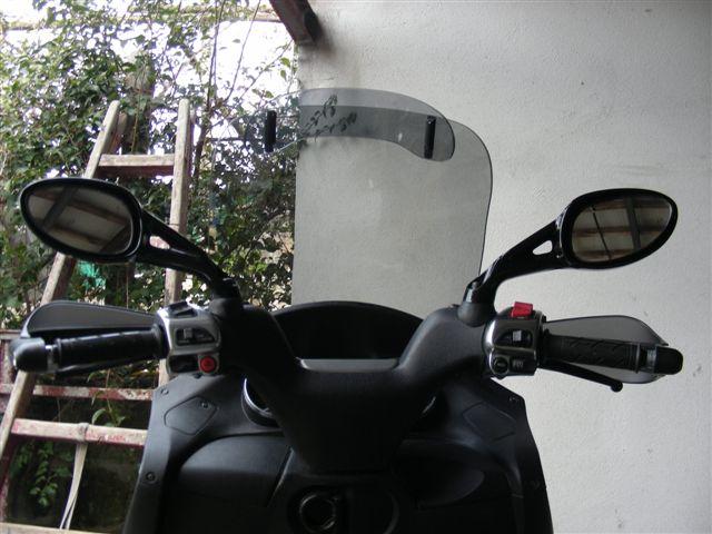Un peu de tuning sur nos scooters 3 roues.... Ratro-12
