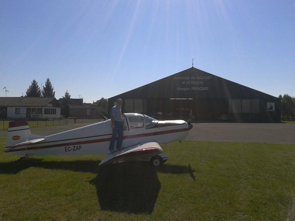 Cherche avion type Jodel à louer 2_210