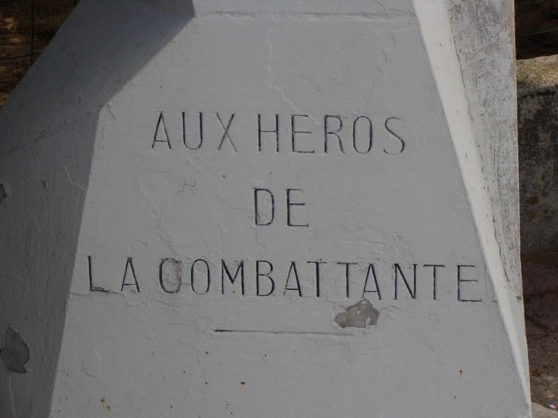 [Histoires et Histoire] Monuments aux morts originaux Français Tome 1 - Page 4 006_8011