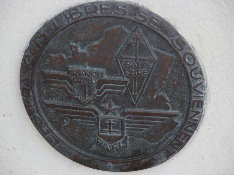 [Histoires et Histoire] Monuments aux morts originaux Français Tome 1 - Page 4 007_8011